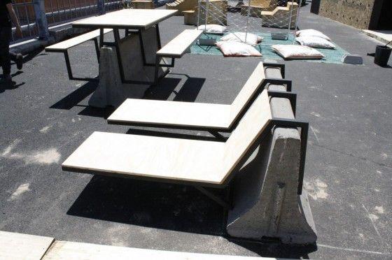 plinth and seats // 기존에 배치되어 있던 시설물을 활용해 새롭게 리디자인한 점이 마음에 든다. 기존에 있던 시설물이 아니면 말고.