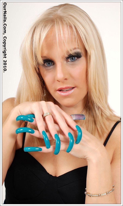 Moon blonde girl with long fingernail teen gif indian