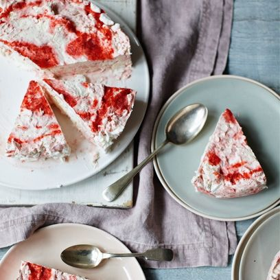 Rachel Allen's Iced Strawberry Meringue Cake. Best summer cake recipes | Baking recipes - www.redonline.co.uk