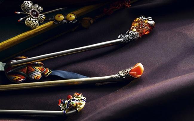 binyeo ornaments by leesunyoung hanbok