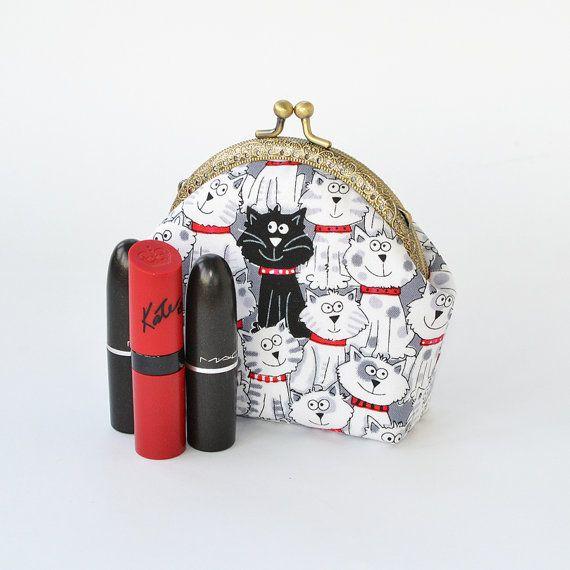 Cat purse, cat coin purse, cat pouch, cat wallet, cat makeup bag, kisslock purse, cat gifts for her, vegan purse, cat lover gift, black cat