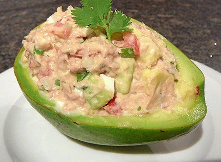 palta reina - Tuna salad + Avocado... lemon on top with cilantro... put it on a bed of lettuce