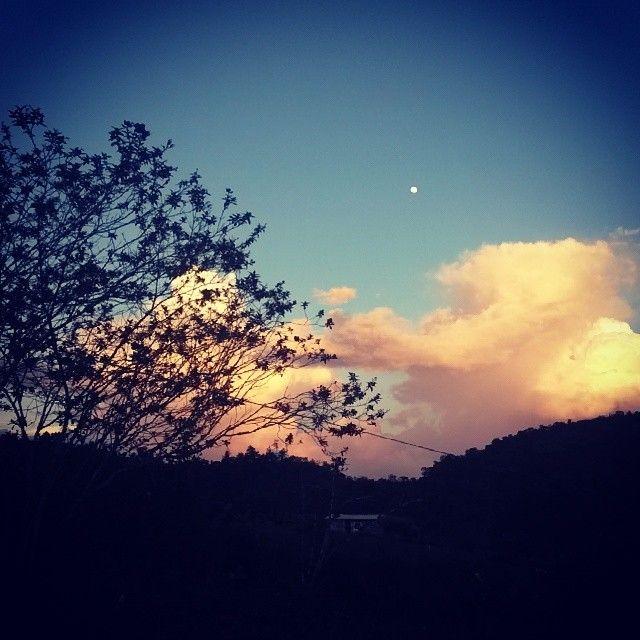 Atardecer en San Vicente, Antioquia. Colombia by G_arango