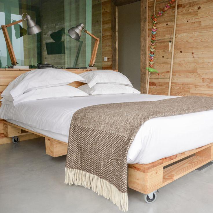 Plaid design marron 100% laine moderne et élégant. #plaid #deco #décoration #cocoon #cocooning #confort #laine