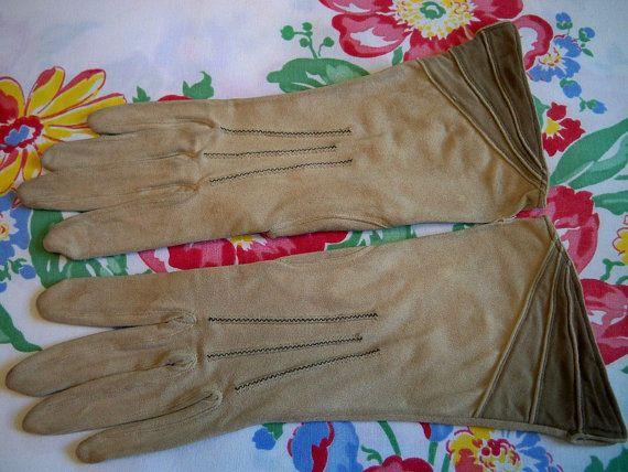 Vintage 1930s Ladies Camel Gloves Tricolor Flared Cuff Rare by BlackRain4