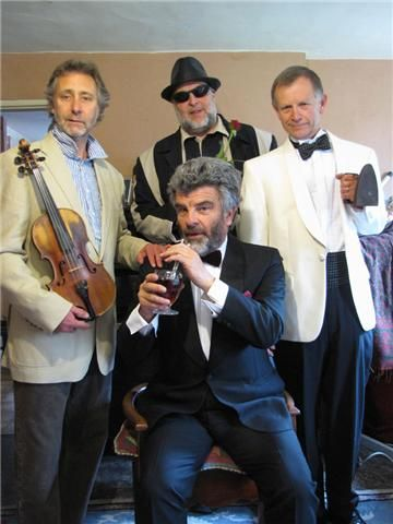 The Crazy Rhythm Boys. Good times, great fun, our own brand of jazz. Bring it on!