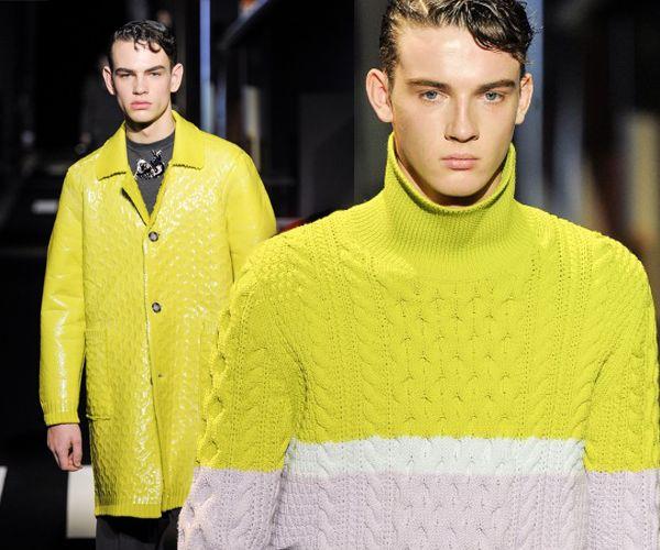 Opvallend:Geel  Het is eerder een kleur voor een 'kekke' accessoire zou je denken… maar fluo geel doet het prima op truien, vesten en zelfs op jassen. De neon kleur kwam opvallend vaak voorbij op de catwalk voor deze herfst/winter. Durf, draag geel!