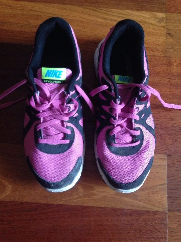 Nike runners / sneakers / trainers / shoes, excellent condition, hardly worn.   eBay!