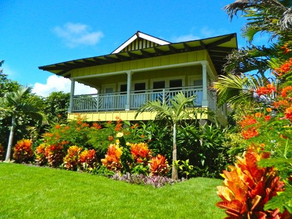 Hawaiian plantation style homes hawaiian plantation style for Aloha package homes