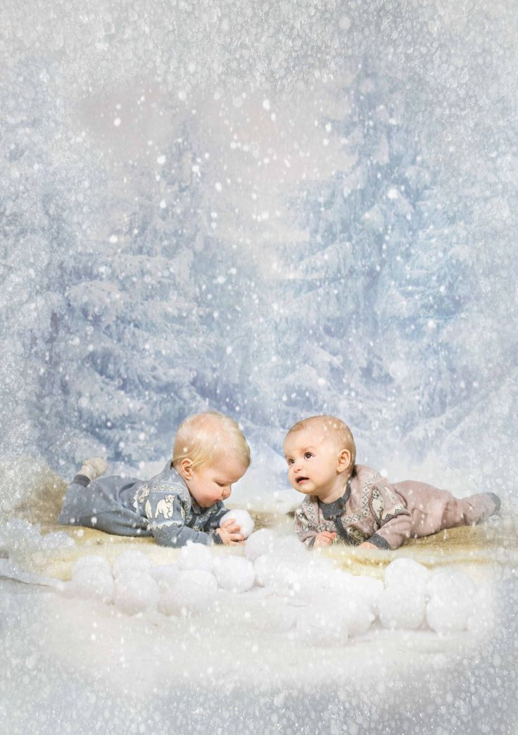 Memini baby photo snow