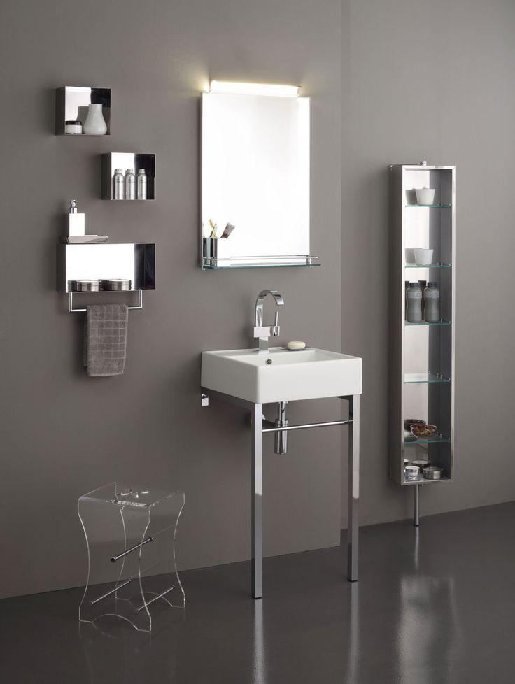 specchio filo lucido con mensola in vetro e applique contenitori inox in varie misure con
