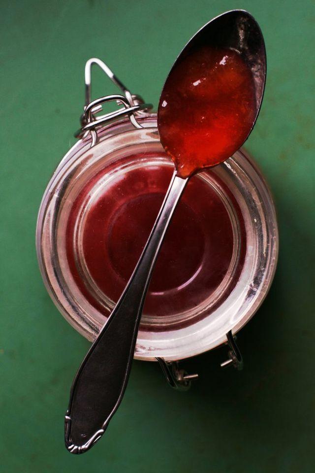 Snabb plommonmarmelad med portvin och stjärnanis recept