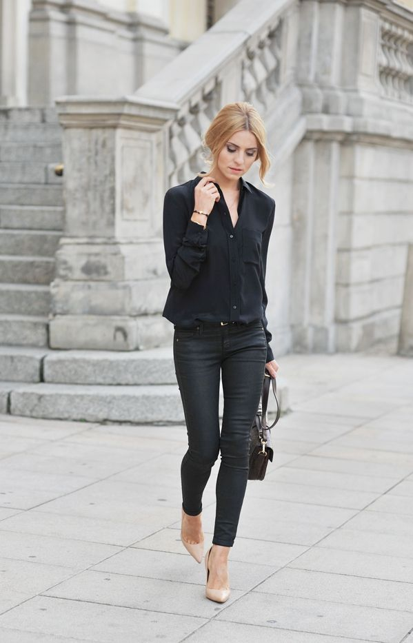 Rock a black button front blouse with black slim jeans and you'll look like a total babe. Elevate this ensemble with beige leather pumps.  Shop this look for $65:  http://lookastic.com/women/looks/black-button-down-blouse-black-skinny-jeans-dark-brown-crossbody-bag-beige-pumps/5276  — Black Button Down Blouse  — Black Skinny Jeans  — Dark Brown Leather Crossbody Bag  — Beige Leather Pumps