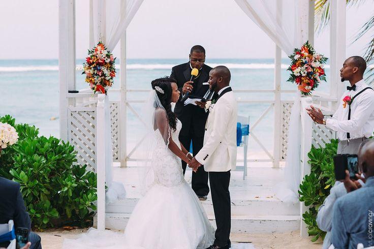 Riu Ocho Rios Wedding ceremony http://bit.ly/1FBzCot @riuhoteles #lizmooredestinationweddings