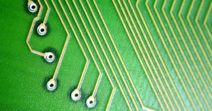 Como criar um PCB em CNC a partir de um JPG. Criar uma placa de circuito impressa (PCB) é uma tarefa desafiadora. Traduzir o design PCB em um formato que pode ser lido por um computador de controle numérico (CNC) é possível apenas quando o software CNC permite a importação. O programa de Cad chamado editor de layout gráfico facilmente aplicável (EAGLE) é projetado exclusivamente para esta ...