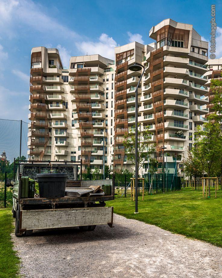CityLife   Milano (MI) - Italia ###########################La #milano che si rinnova la si può trovare nel nuovo quartiere chiamato #citylife dove #architettura all'#avanguardia e #spaziverdi vanno a braccetto