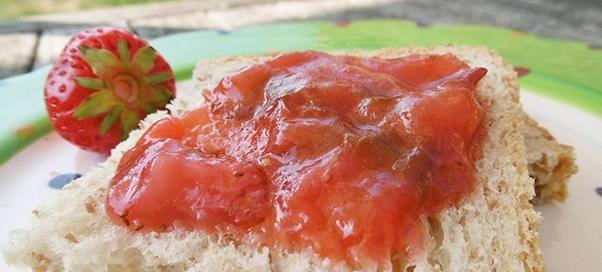 Confiture de fraises aux figues et à la banane