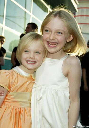 Actresses Dakota and Elle Fanning