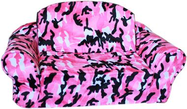 Pink Camo Pull Out Pet Sleeper Sofa Bed http://www.collarplanetonline.com/pet-furniture-and-beds/pink-camo-pull-out-pet-sleeper-sofa-bed/ A delightful pet bed for your precious pet! A wonderful pink camo sofa sleeper.  It is the perfect combination of comfort and style.