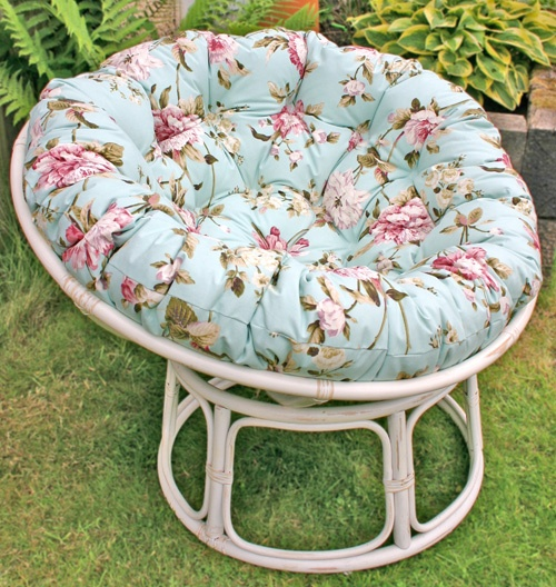 round papasan chair in white rattan and floral fabric- I wanted a papasan chair *so* bad as a child: round papasan chair in white rattan and floral fabric- I wanted a papasan chair *so* bad as a child