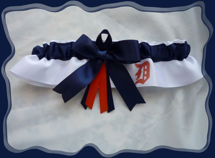 20.00$  Buy here - http://vialw.justgood.pw/vig/item.php?t=oaj4z6y57807 - Detroit Tigers White Satin Ribbon Wedding Garter Keepsake 20.00$