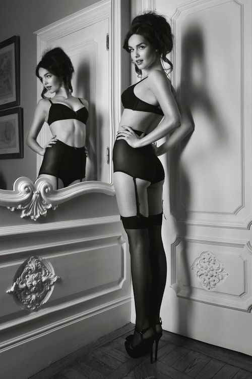 : Mirror, Sexy, High Waist, Girls Next Doors, Black Lingerie, Pinup, Pin Up, Photo Shooting, Vintage Style