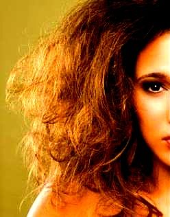 Natural remedies mantra: 10 tips to manage dry hair .#dryhair #managedryhairwiththesetips #haircareremedies #hair #serum #drynesscareshampooandconditioners