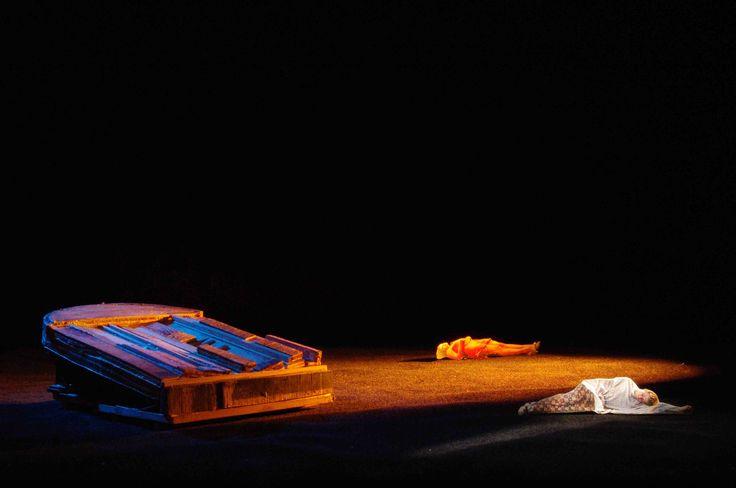 """Modellino per la scena di """"Romeo y Julieta Tango"""" della Compagnia Naturalis Labor, scena di Antonio Panzuto - Scale model for Naturalis Labor Company's """"Romeo y Julieta Tango"""", set design by Antonio Panzuto"""