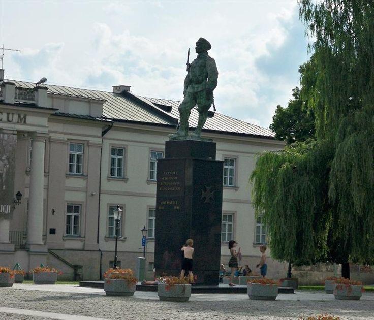 Radom - Pomnik Czynu Legionistów - artek