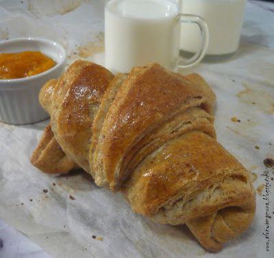 Az áfonya mámora: Teljes kiőrlésű croissant
