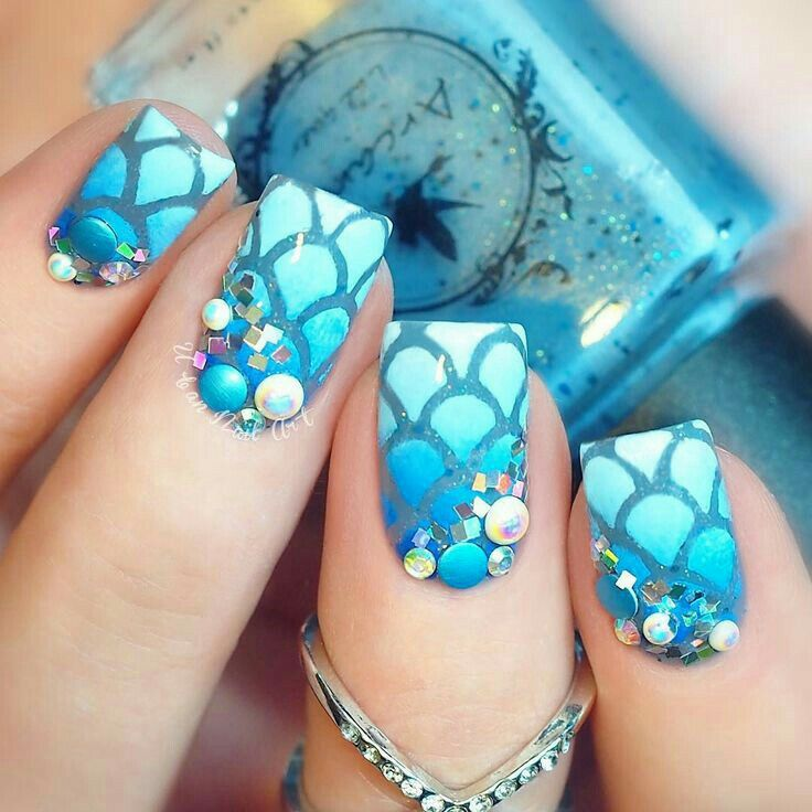 32 Gorgeous Nail Art Images Inspired By Summer Motifs: 25+ Best Ideas About Mermaid Nail Art On Pinterest