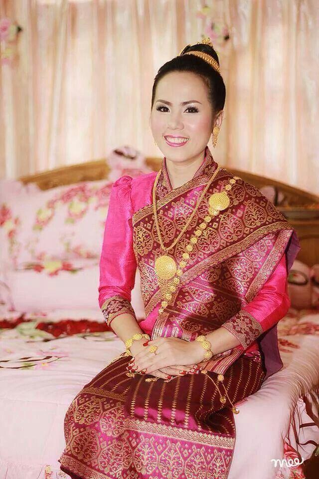 Lao bride