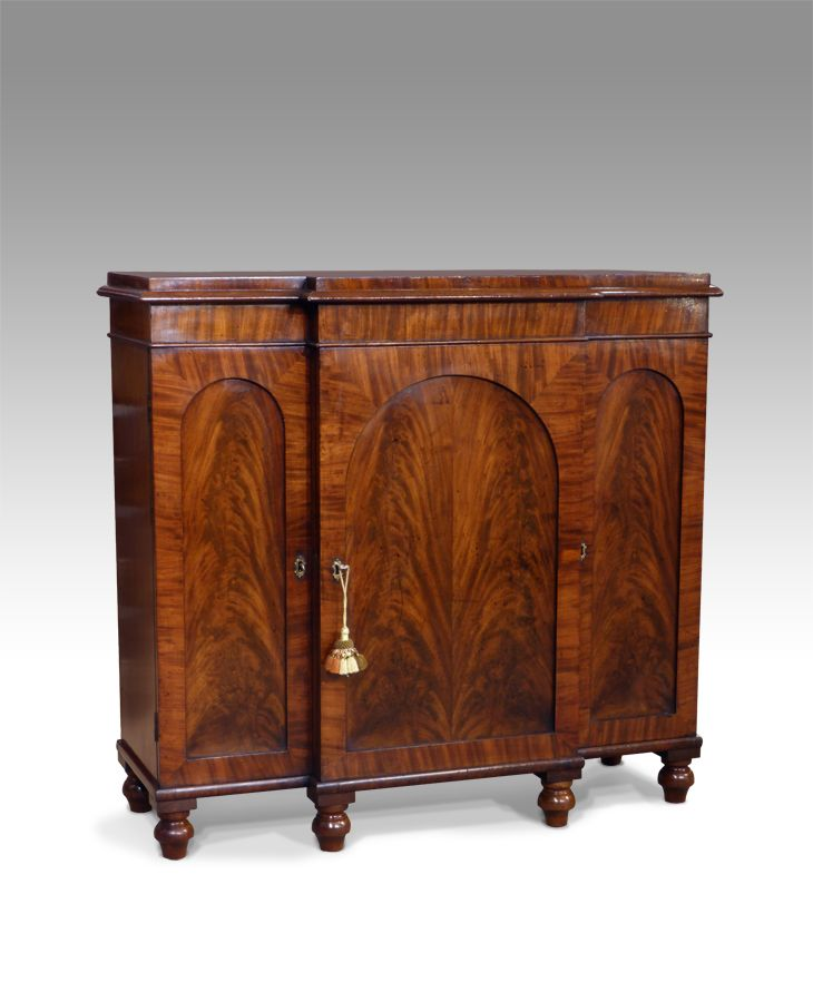 Antique breakfront sideboard / side cabinet - 90 Best Antiques Sideboards / Cabinets / Dressers Images On