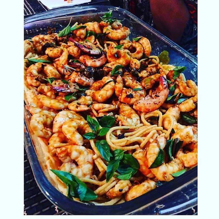É sexta-feira! É sexta-feira e que tal preparar uma receita delícia com camarão  e macarrão de mandioca  para curtir a família e os amigos ??!!  Conheça os nossos produtos de alta qualidade e com o menor preço!! #camarao #pescados #receita #saude #preço #mercado #Goiania #Brasilia #goianiafood #food #alimento by fisherprime http://ift.tt/1NCDf1r