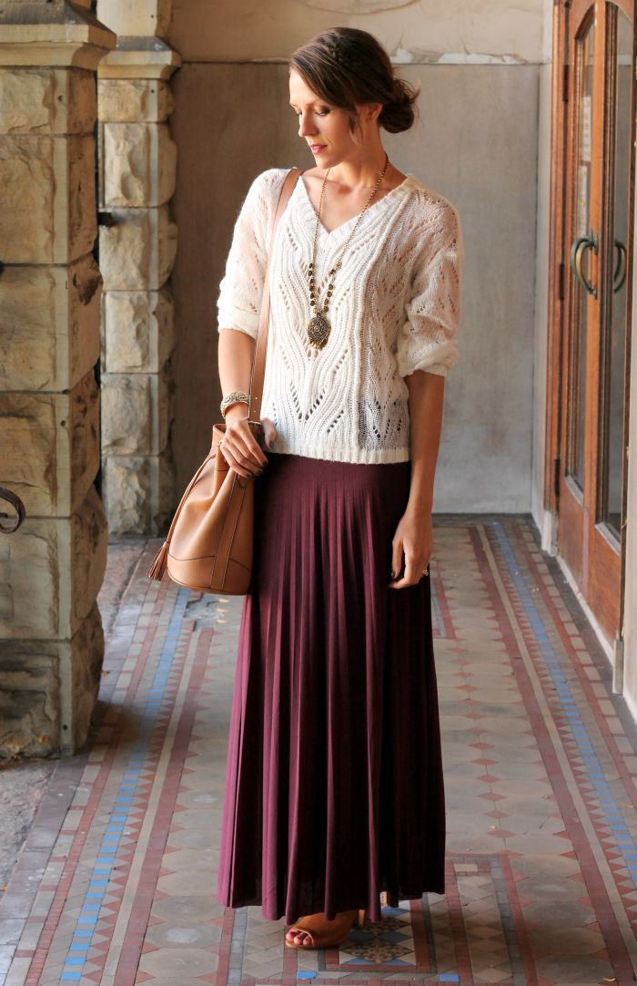 Feminine Front| Penny Pincher Fashion - Lightweight sweater, long necklace and maxi skirt in fall/autumn colour