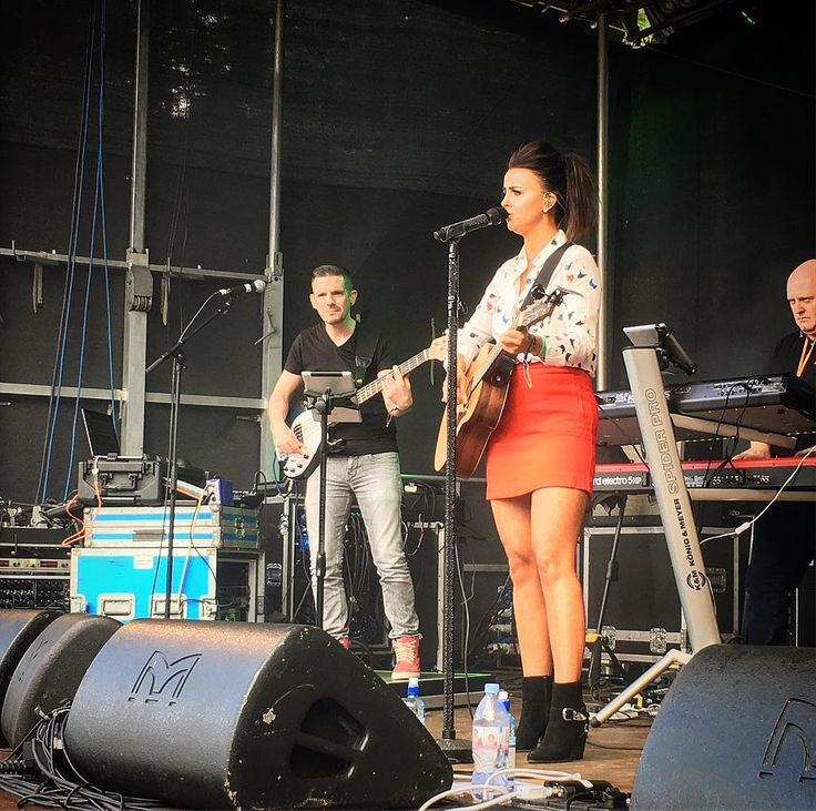 Finally got @lisa_mchugh for the music files. . . #country #countrymusic #singer #songwriter #music #artist #stendhalfestival #stendhal #female #summer #festival #band #stage #followforfollow #musicphotography #pictureoftheday #picture