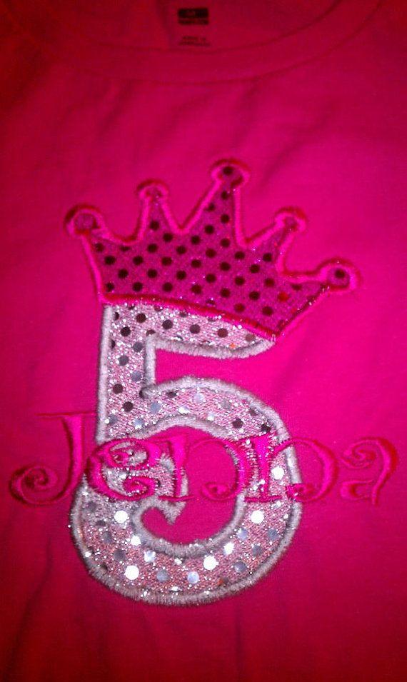 SOFORTIGEN DOWNLOAD Cute Princess Geburtstag Krone Zahlen, Maschine Stickerei applique Design - 4, 5 und 6 Zoll  Alle Zahlen erhalten von 1 bis 9 in der Höhe Sie durch Klicken in Esty System INSTANT DOWNLOAD  4 Zoll für Reifen 4 x 4 Zoll 5 Zoll und 6 Zoll  Ebenfalls jetzt ich Zahl 0 in geeigneten Größen kombinieren. Nummer 0 werden ohne Krone. Also können Sie zahlen als 10-, 20- und anderen verfassen.  *** ebenfalls enthalten Geschenk Überraschung - kleine Nettigkeit auch über Download-Seite…