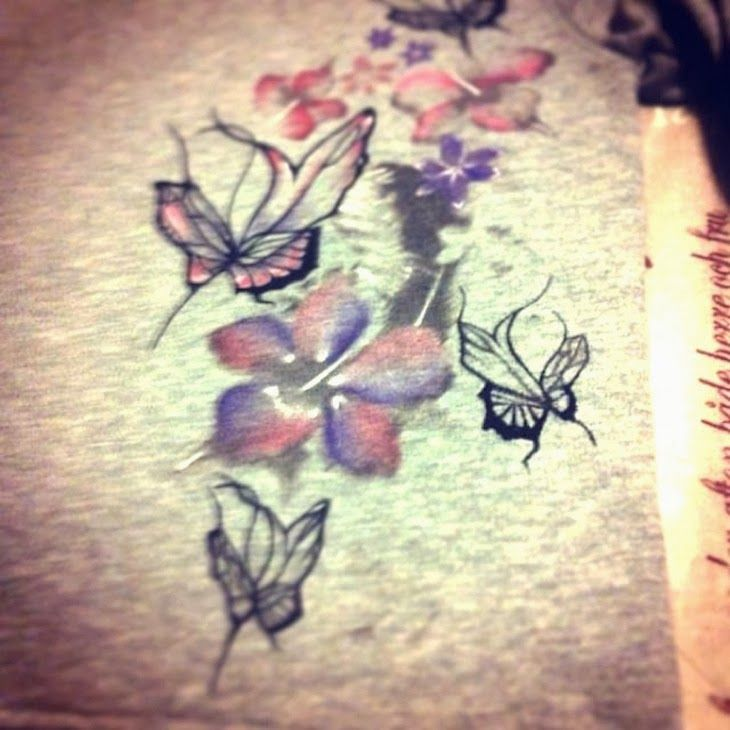 #sweatshirt #girl #style #fashion #floral #camo #streetstyle  #fashionblogger #trend  #grey @Melissa Mahon AutomaStyle felpe unisex, felpe camo, felpe disegni floreali con cappuccio, felpe grigie made in italy, automa style brand, the fashionamy blog, amand...