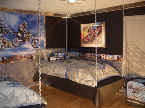 95 best images about kids room ideas on pinterest for Dirt bike bedroom ideas