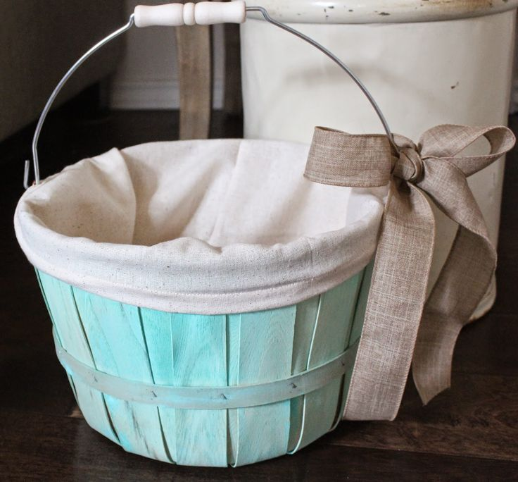 Painted apple basket  with sewn liner #upcycle #paint #sewing