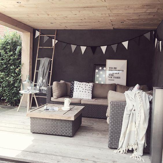 17 Best Ideas About Gartenhütte On Pinterest | Gartenhaus, Veranda ... Veranda Mit Uberdachung Haus Fruhling