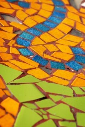 How to Mosaic Just About Anything...: Mosaics Art, Mosaics Tables, Crafts Art, Art Inspiration, Mosaics Tutorials, Crafty Things, Creative Idea, Crafty Idea, Mosaics Inspiration