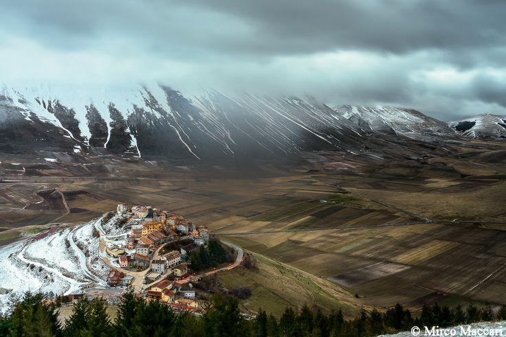 Snow on Castelluccio di Norcia