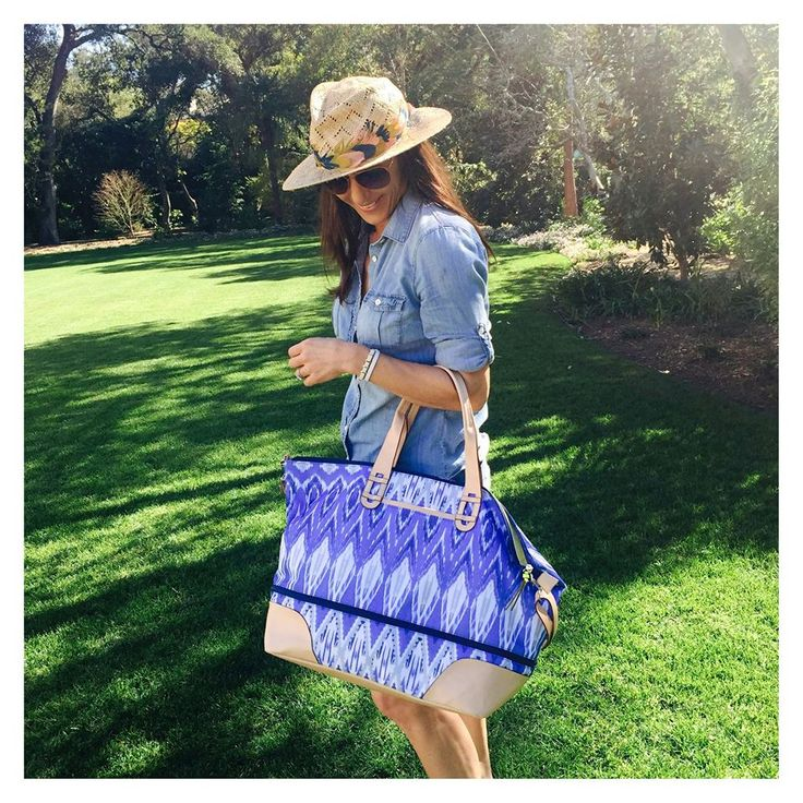 We love this summer-ready look from Stella & Dot CEO, Jessica Herrin – complete with our upcoming Getaway Bag, debuting in April.