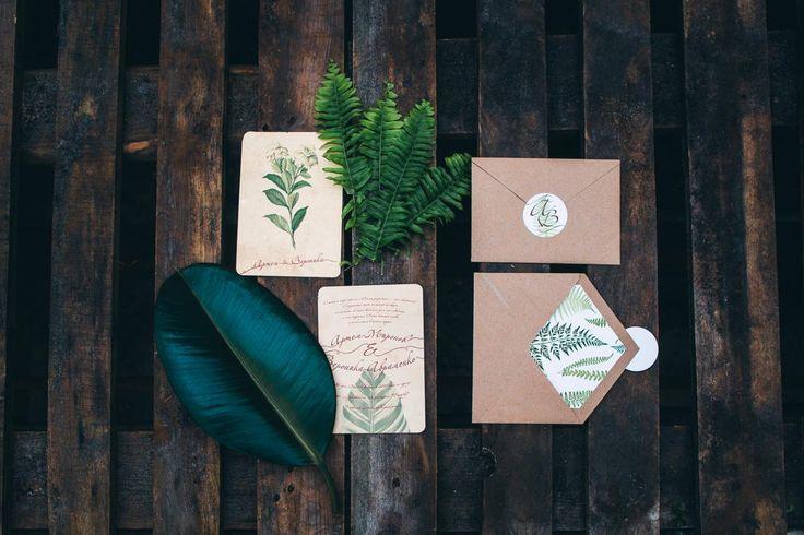 Botanic chic wedding. Green, braun und beige palette.  Wedding stationary. Свадьба в стиле ботаник шик. Свадьба в ботсаду. Организация свадьбы Киев Caramel Events