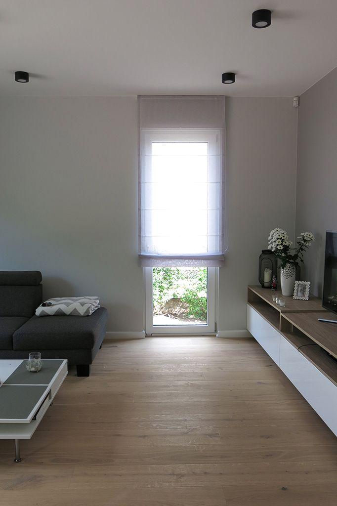 Realizacja: #styleathomepl #salon #roleta #roletarzymska #tkanina #tkaninydekoracyjne #dekoracje #dekoracjeokienne #aranżacje #szycienazamówienie #szycie #szycienamiare #projekt #okna #wnetrza #projektowanie #styl #warszawa  #blinds #romanblinds #livingroom #interior #interiordesign #window #fabric #home #homedecor