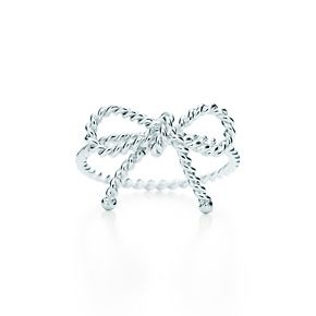 Tiffany Twist bow ring in sterling silver. Want it!