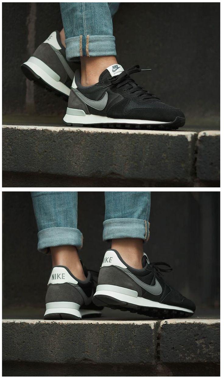 Nike wmns Internationalist Cool Grey ...repinned vom GentlemanClub viele tolle Pins rund um das Thema Menswear- schauen Sie auch mal im Blog vorbei www.thegentemanclub.de