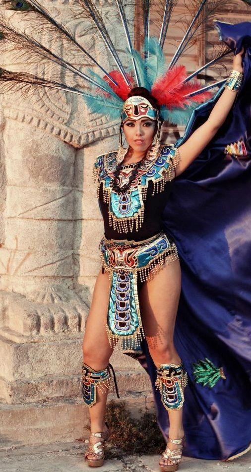 TRAJES AZTECAS, TRAJES PREHISPANICOS, CONCHEROS, DANZANTES DE LA VIRGEN DE GUADALUPE      TRAJE AZTECA DE MUJER EN TELA METALICA CON A...