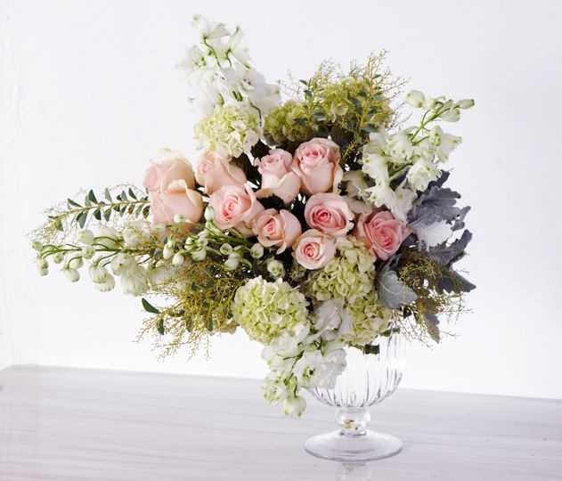 #Coral #Rose #Romantic #Table #Centre #PohoFlowers #Poho #Flowers #Weddings
